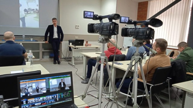 Онлайн трансляция семинара академии Дениса Овчарова для службы безопасности предприятий
